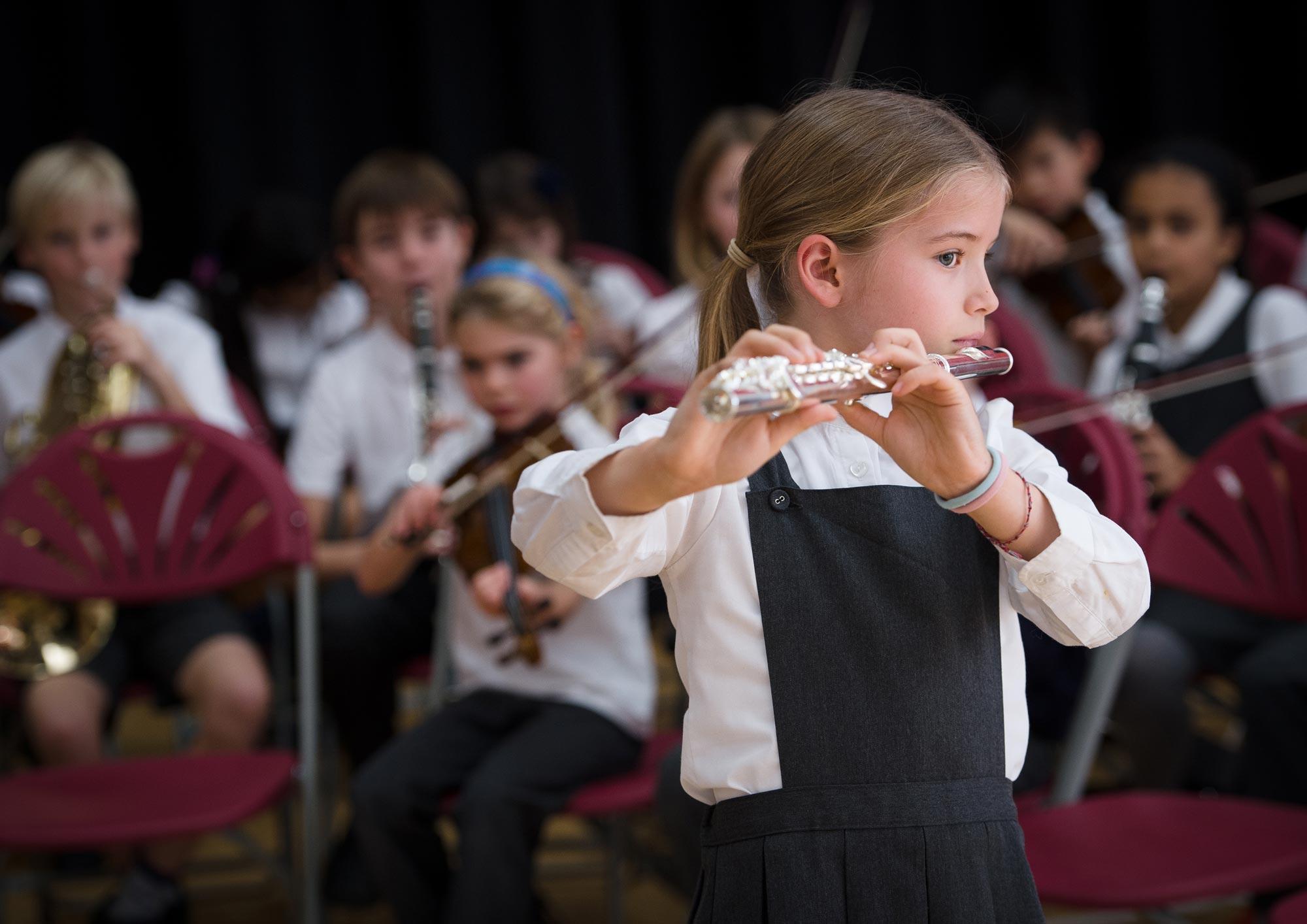 flute-girl