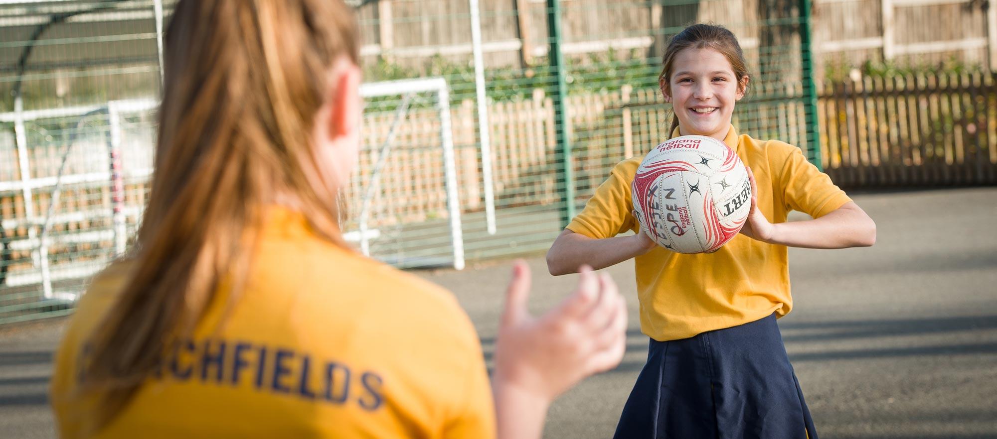 girl-throwing-ball